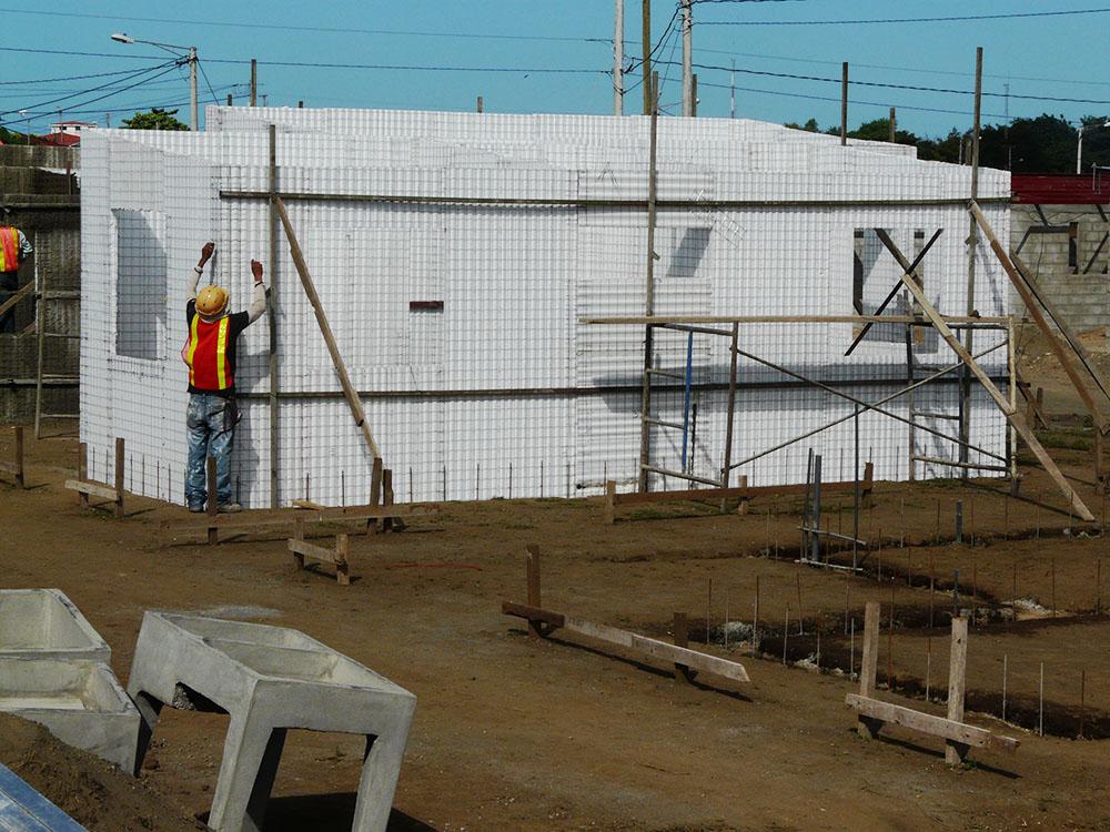 Residencial-Las-Delicias-Fabrica-del-Sistema-Constructivo-Emmedue-M2-10-1-300x225