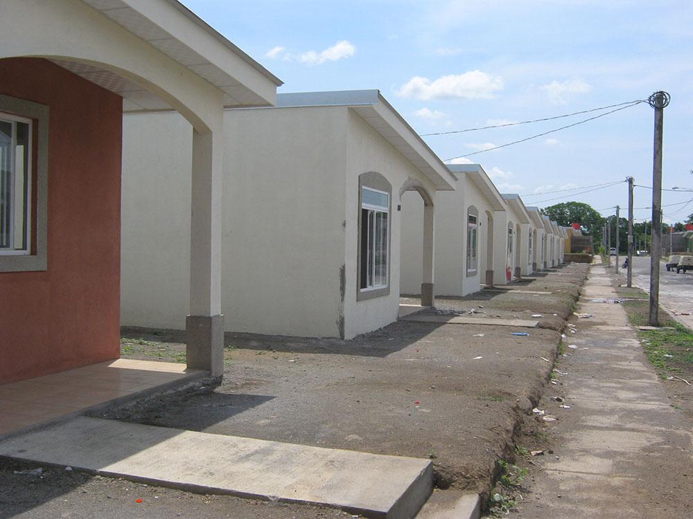 Residencial-Las-Delicias-Fabrica-del-Sistema-Constructivo-Emmedue-M2-24-300x225