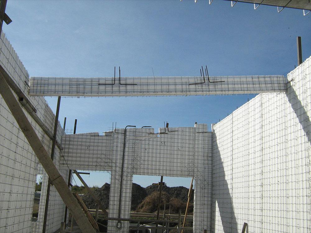 Residencial-Las-Delicias-Fabrica-del-Sistema-Constructivo-Emmedue-M2-3-300x225