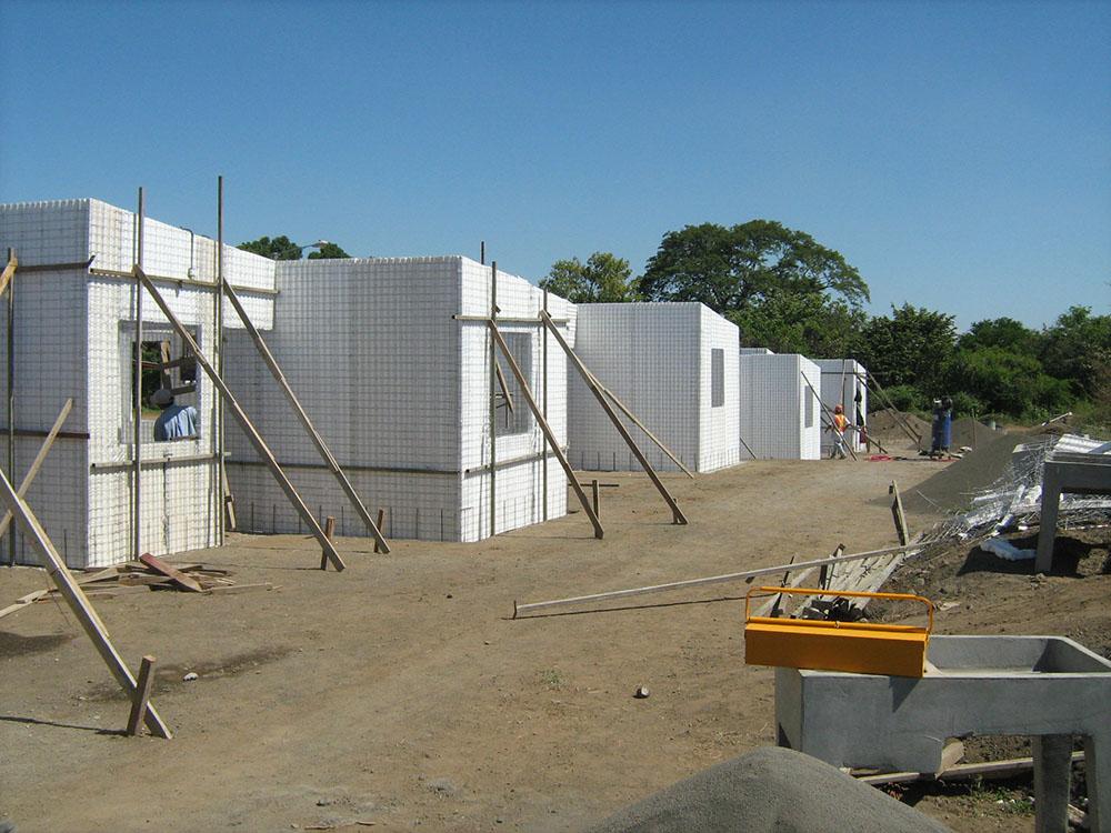 Residencial-Las-Delicias-Fabrica-del-Sistema-Constructivo-Emmedue-M2-6-300x225