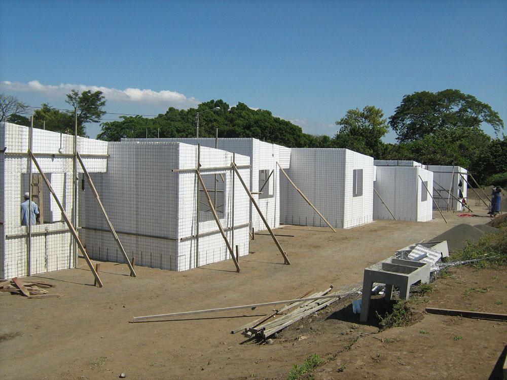 Residencial-Las-Delicias-Fabrica-del-Sistema-Constructivo-Emmedue-M2-7-300x225