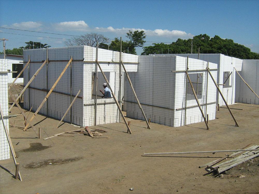 Residencial-Las-Delicias-Fabrica-del-Sistema-Constructivo-Emmedue-M2-8-300x225